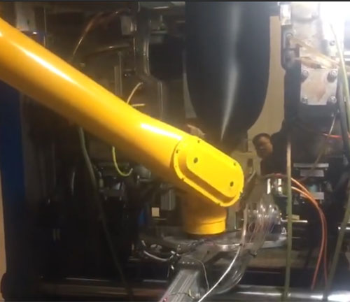 注塑机械手
